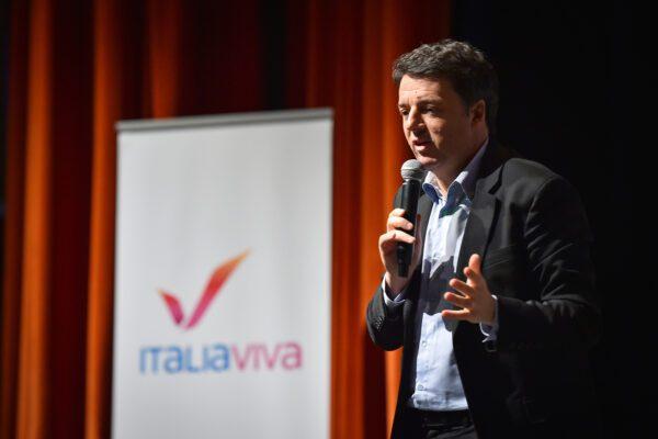 """Caso Azzolina, Renzi all'attacco: """"Solita doppia morale dei 5 Stelle"""""""