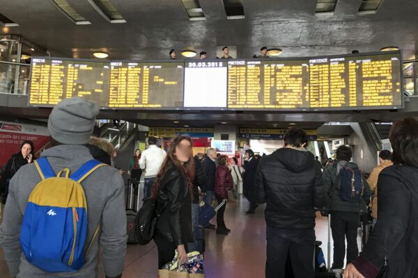 Guasto a Roma Termini, traffico ferroviario in tilt: ritardi anche di due ore sull'Alta Velocità