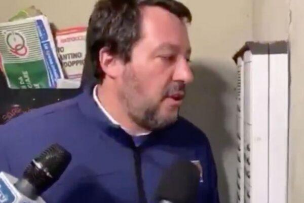 Blitz al citofono, azione squadrista di Salvini ma non è l'unico