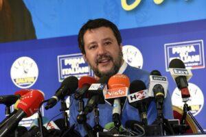 """Regionali Emilia Romagna, Salvini non molla: """"Rifarei tutto, anche il citofono. Cambio solo rimandato"""""""