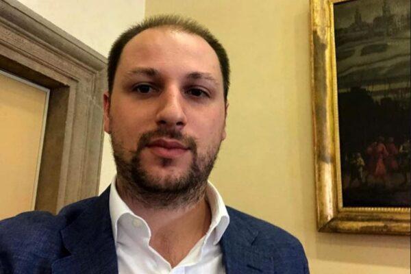 """Movimento 5 Stelle, continua la diaspora. Lascia il deputato Cappellani: """"Imborghesiti e in preda all'anarchia"""""""