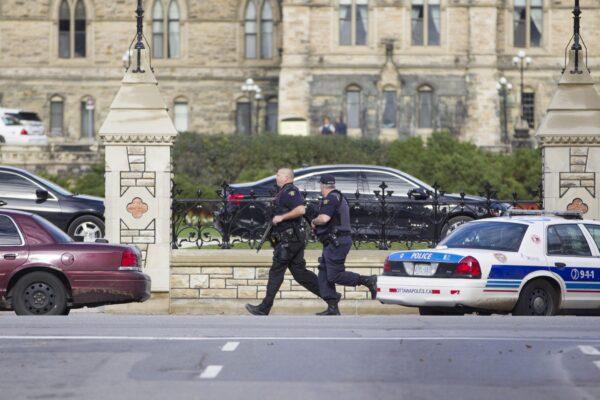 Canada, sparatoria nei pressi del Parlamento a Ottawa: un morto e tre feriti