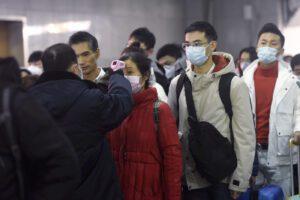 Virus cinese, rientra caso sospetto a Parma: coinvolta donna di ritorno da Wuhan