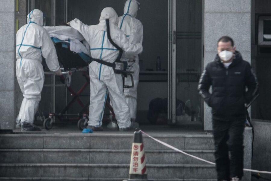 Il 'misterioso' coronavirus si trasmette da uomo a uomo, la conferma dalla task force cinese