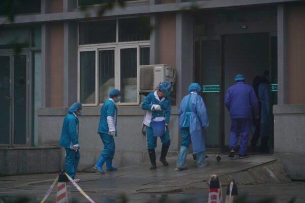 Virus cinese, Pechino chiude tratti della Grande Muraglia: 33 milioni di abitanti 'isolati'