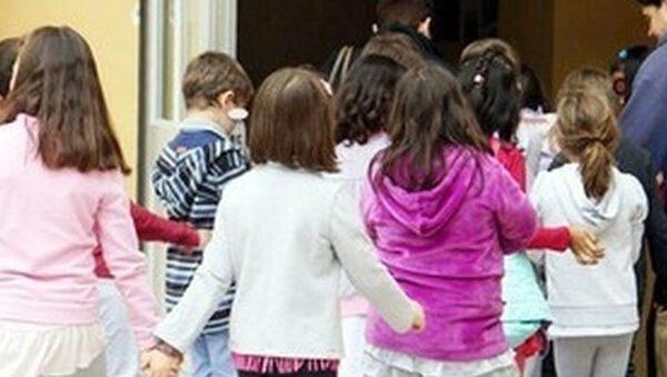 Meningite a scuola, maestra ricoverata a Napoli: genitori in apprensione
