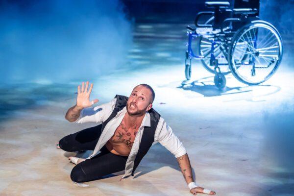 Storia di Ivan Cottini, il ballerino che danza sulla sedie a rotelle