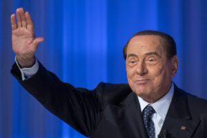 Silvio Berlusconi è risorto, e smentisce la sua sempre annunciata fine