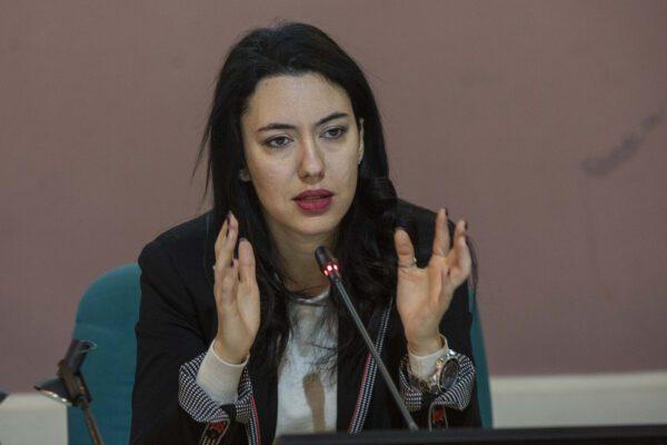 """""""La credibilità è come la verginità"""" parole sessiste in Senato contro il ministro Azzolina"""