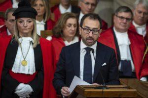 Relazione in Parlamento di Bonafede, ma sui temi importanti il ministro fa scena muta