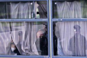 """Coronavirus, 56 italiani in quarantena. Bloccato in Cina giovane studente: """"Ha la febbre"""""""