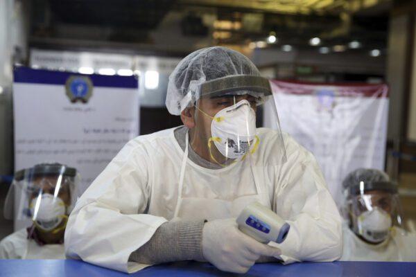 """L'esperto: """"Il Coronavirus esiste da sempre e c'è anche un farmaco per curarlo"""""""
