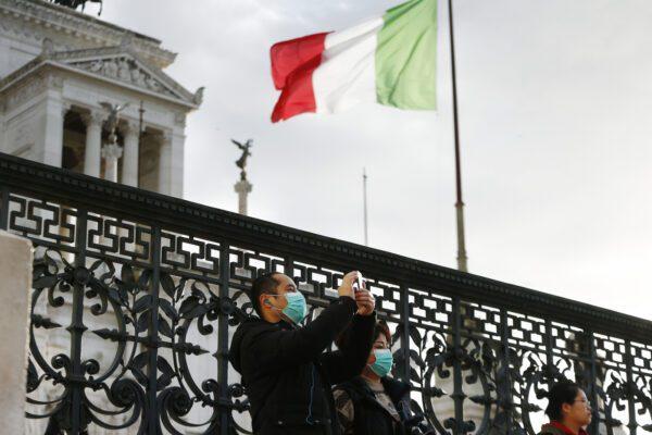 Coronavirus, Niccolò è in volo verso l'Italia: viaggio su una barella speciale
