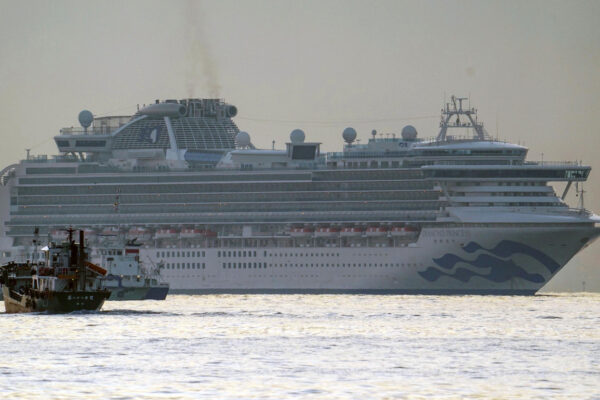 """Coronavirus, 20 contagiati sulla nave da crociera guidata dal comandante napoletano: """"Siamo in ansia"""""""