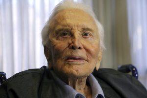 Cinema: morto Kirk Douglas, aveva 103 anni CondividiCondividiTwitta