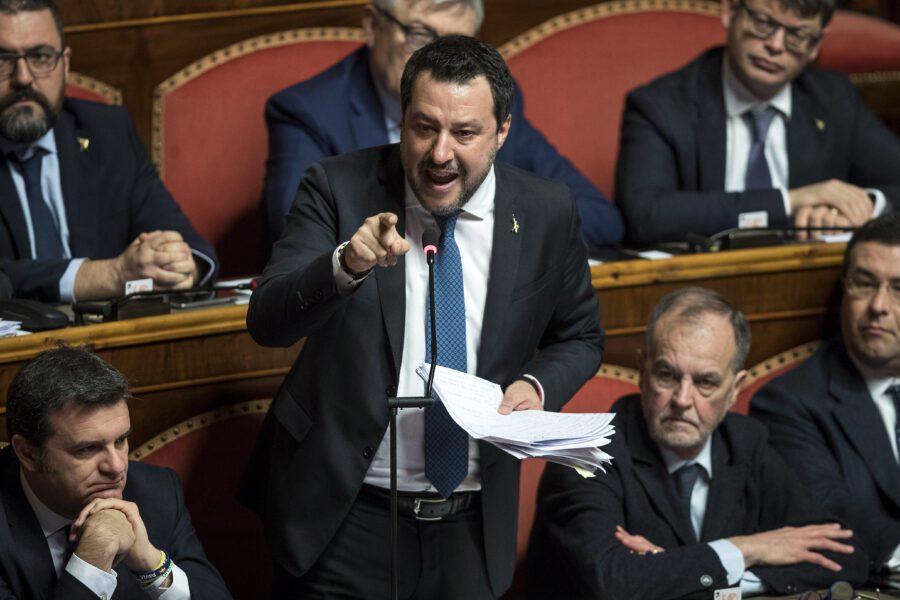 """Il Senato approva il processo a Salvini sul Caso Gregoretti, il leghista in aula: """"Ho difeso la patria e non ho agito da solo"""""""