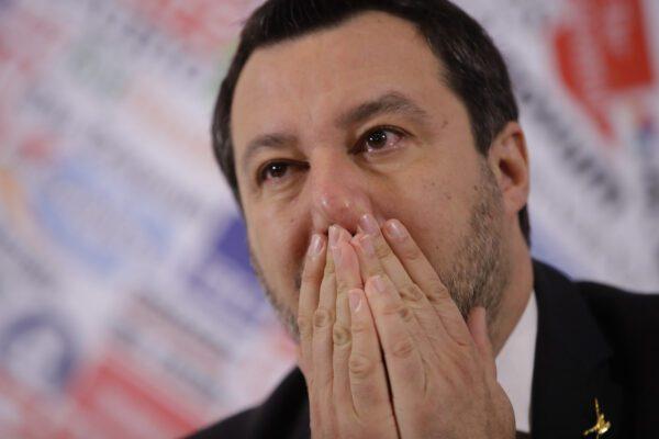 Coronavirus, contagiato poliziotto della scorta di Salvini