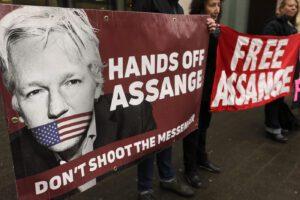 Julian Assange, al via processo su estradizione negli Usa per il fondatore di Wikileaks