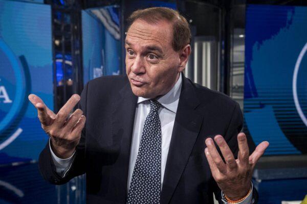 Benevento, Clemente Mastella si dimette per anticipare il voto