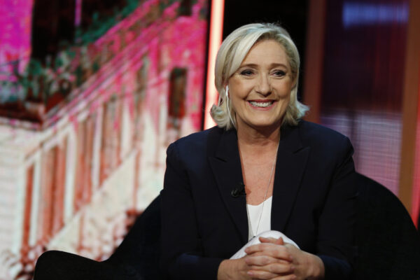 """Espolde l'emergenza coronavirus: Marine Le Pen """"Ora controlli alle frontiere con l'Italia"""""""