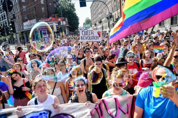 """La Svizzera approva la legge contro l'omofobia: """"punita come il razzismo"""""""