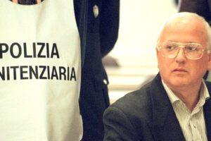"""Revoca del carcere duro a Cutolo, l'udienza il 2 ottobre: """"Qualcosa funziona ancora"""""""