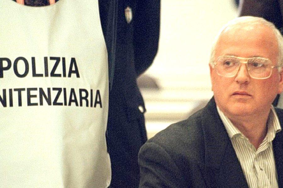 """Raffaele Cutolo in ospedale, l'unica richiesta dell'ex boss: """"Fatemi abbracciare mia figlia"""""""