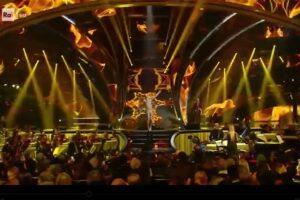 Sanremo, l'esibizione di Achille Lauro come San Francesco