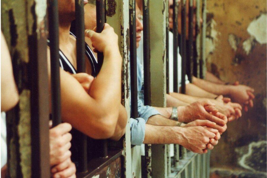 Le carceri esplodono, così è tortura di Stato: serve amnistia