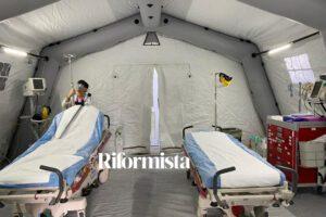 Cardarelli, ecco l'interno delle tende pronte ad affrontare emergenza Coronavirus