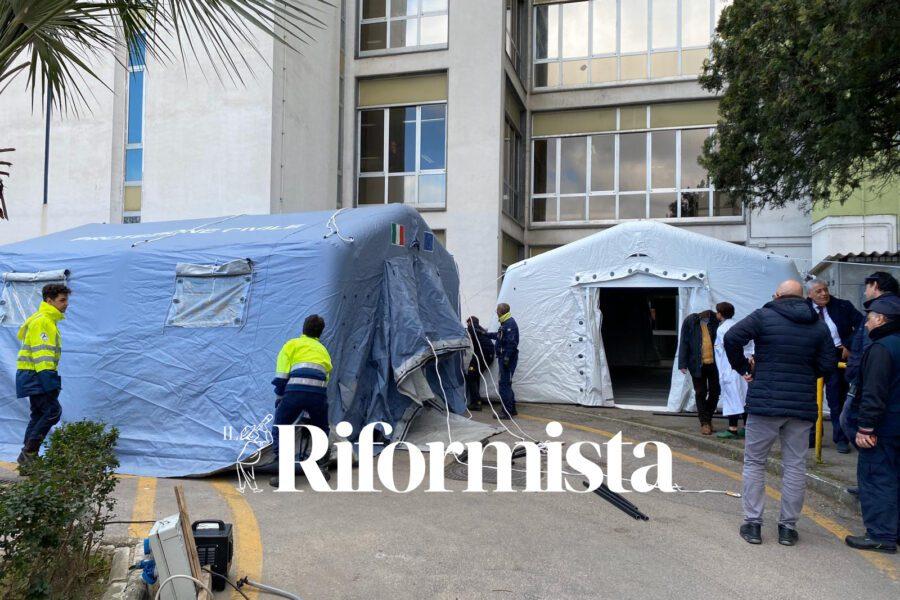 Ospedale Cardarelli, pronta la tenda per i casi sospetti di Coronavirus