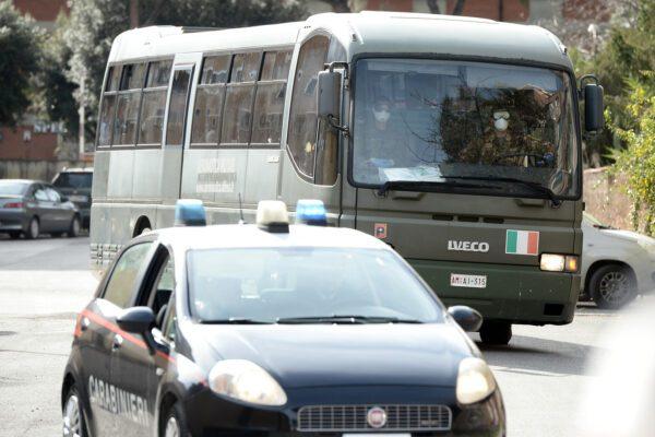 Coronavirus, termina la quarantena degli italiani: in 19 escono dalla Cecchignola