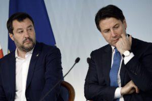"""Il coronavirus travolge la politica. Conte predica calma, Salvini accusa: """"Se non è in grado vada via"""""""