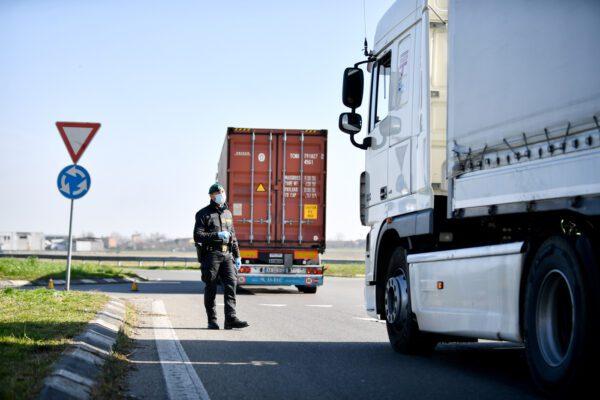 Coronavirus, c'è il primo camionista contagiato: in quarantena i suoi familiari