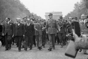 Ritratto di Charles De Gaulle, l'uomo che terrorizzò l'Italia