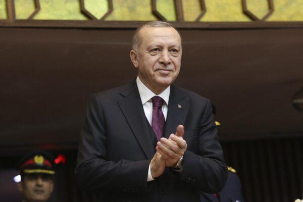 In Turchia riprendono le purghe di Erdogan: oltre 700 arresti contro la rete del 'nemico' Gulen