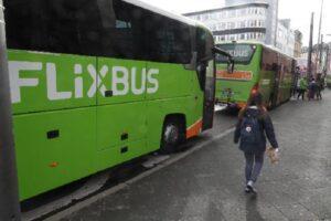 """Paura coronavirus, bloccato in Francia autobus proveniente dal nord Italia: passeggeri """"confinati"""""""