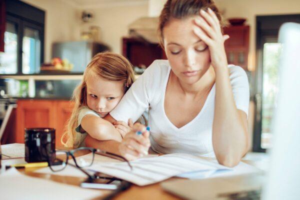 Secondo l'Istat solo 1 donna su 2 lavora, serve svolta culturale