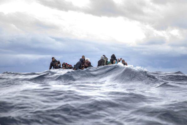 Strage nel Mediterraneo: 34 cadaveri ripescati al largo della Tunisia