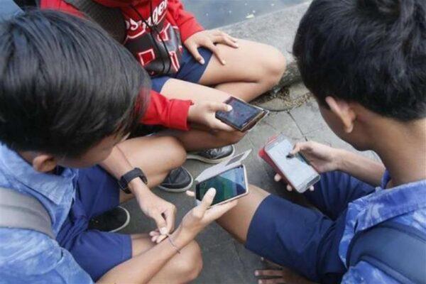 Abusi sessuali su 13enne conosciuto in chat: arrestato 36enne