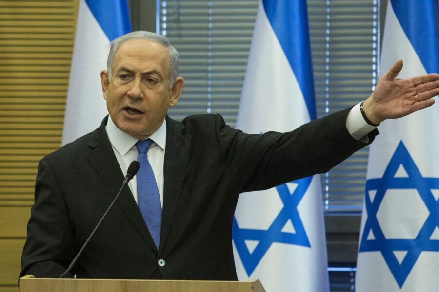 """Netanyahu a processo, prima volta per un premier israeliano: """"E' un tentativo di golpe"""""""
