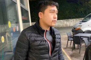 """""""Hai il coronavirus, non puoi entrare"""": aggredito a bottigliate perché di origini cinesi"""