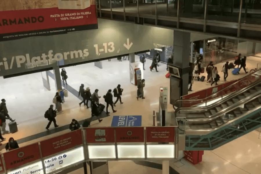 Fuga da Milano, centinaia in stazione per andare via prima che sia zona rossa