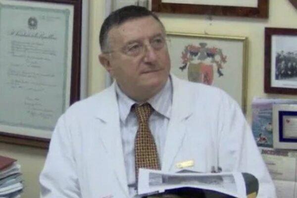 """L'infettivologo che ha sconfitto il colera: """"Requisire cliniche private in vista del picco"""""""