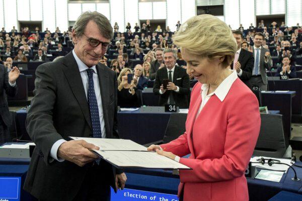 David Sassoli passa da Don Milani alla cinica Ursula Von Der Leyen