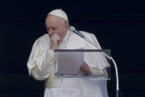 Anche il Papa si 'arrende' al Coronavirus, l'Angelus sarà in streaming
