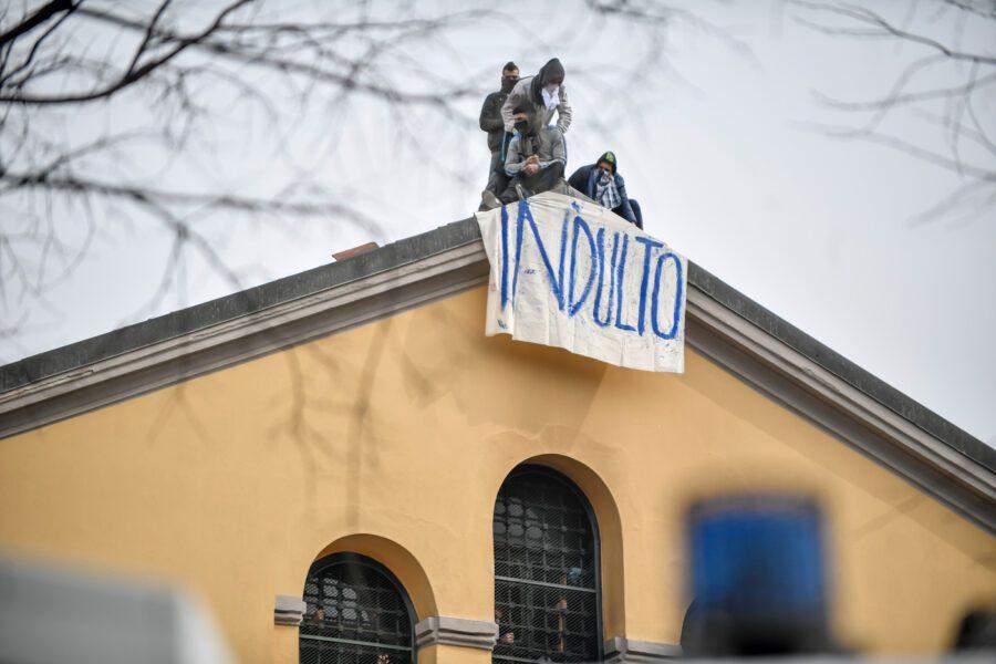 Carceri, 13 morti e un gran silenzio: come nelle dittature sudamericane