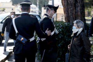 La solidarietà: 87enne non sa fare la spesa online, ci pensano i Carabinieri