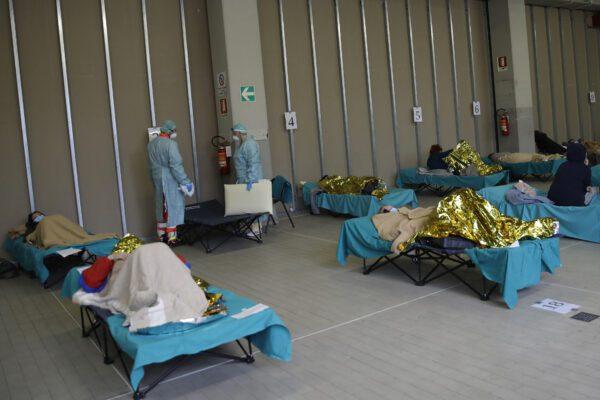 """Incubo Coronavirus, allarme Aifa: """"Carenza di farmaci negli ospedali, ora soluzioni eccezionali"""""""