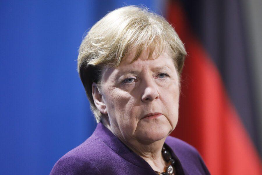 Lo sproloquio di Tullio Solenghi contro la perfida Germania segna trasformazione della società italiana